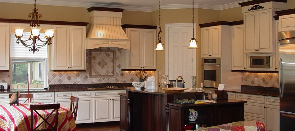 Bay-to-Bay-Design-Duo-Tone-Kitchen-1