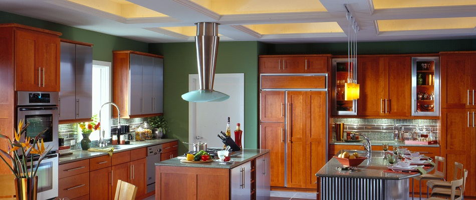 Transitional-Style-Kitchen-in-Light-Cherry-Wood